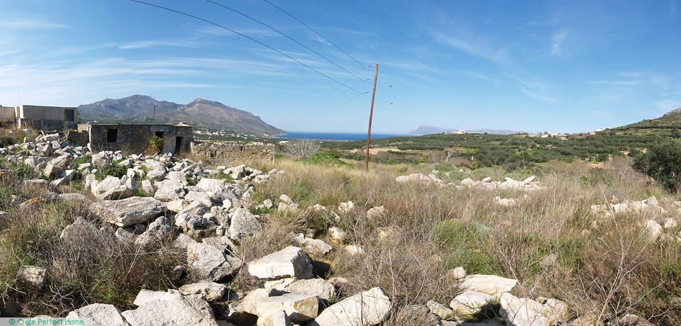 Huge building plot with sea & mountain views