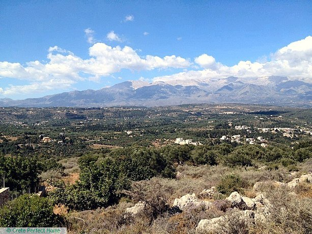 Large rural plot with sea & mountain views
