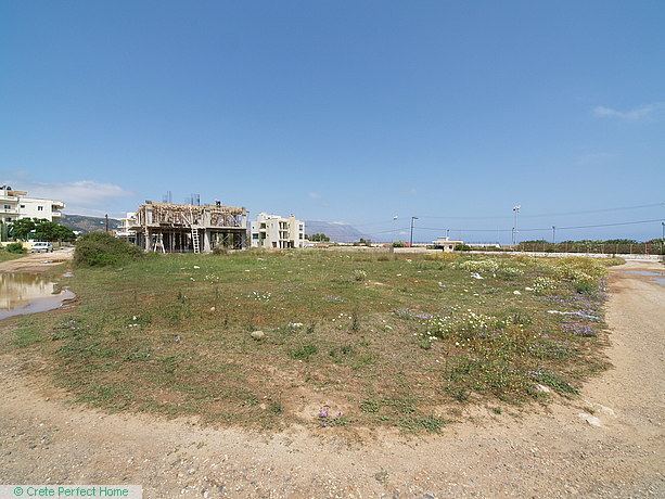 Large level corner plot in town plan, 170m from beach, huge build allowance