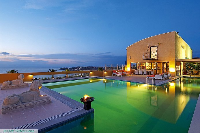 Deluxe 5-bedroom villa with pool & sea/sunset views