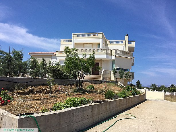 Huge modern deluxe villa in large plot with pool