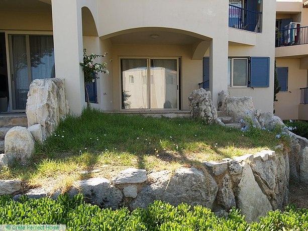 3-bed 2-floor apartment with parking on prestige development