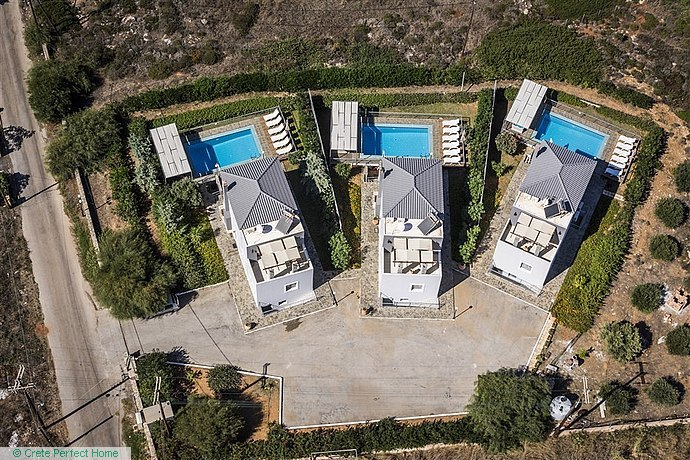 3 x high-quality 4-bed villas with own pools, garden, sea views