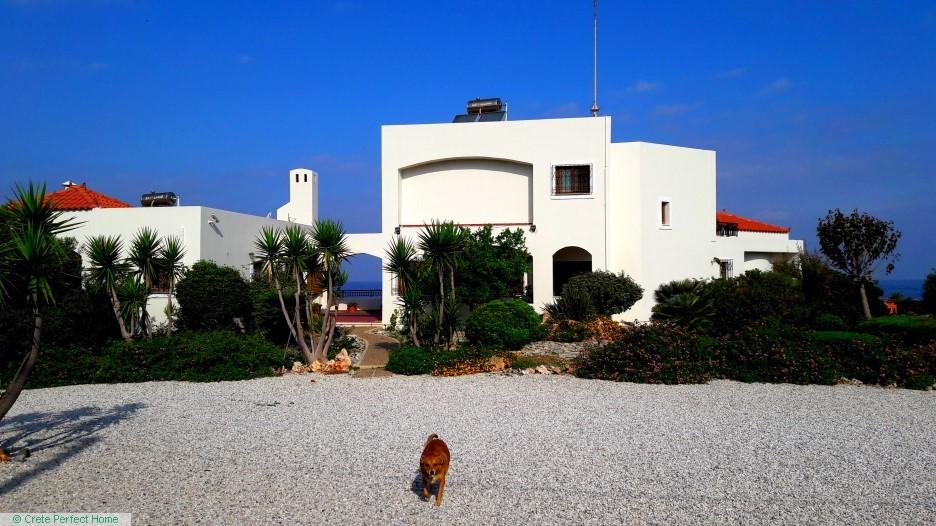 Double deluxe 7-bedroom 5-bathroom villa with sea views