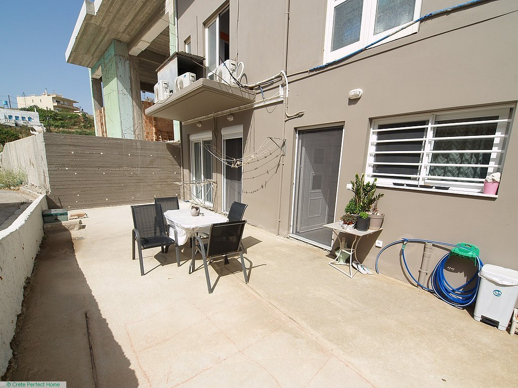 2 ground-floor apartments 84m2 + 60m2 300m from beaches