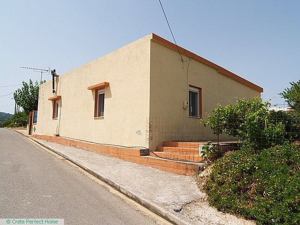 (Part-renovated) Large stone house in spacious plot, sea views, huge build allowance