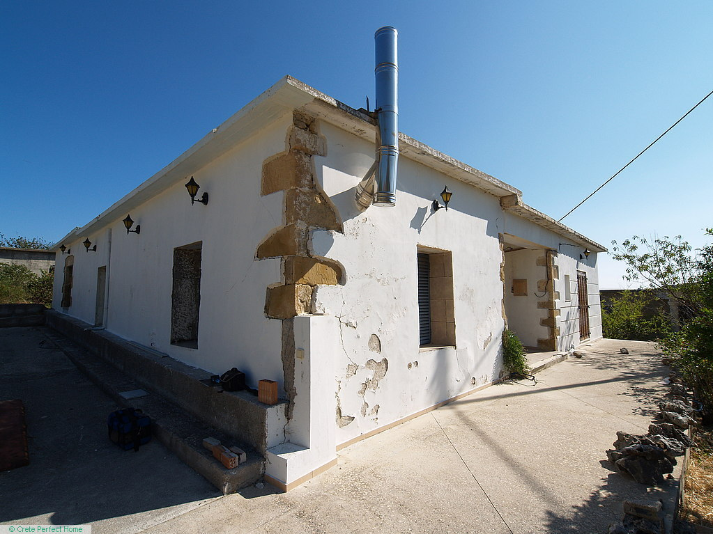 (Part-renovated) Large habitable stone house, courtyard, gardens, rural & sea views