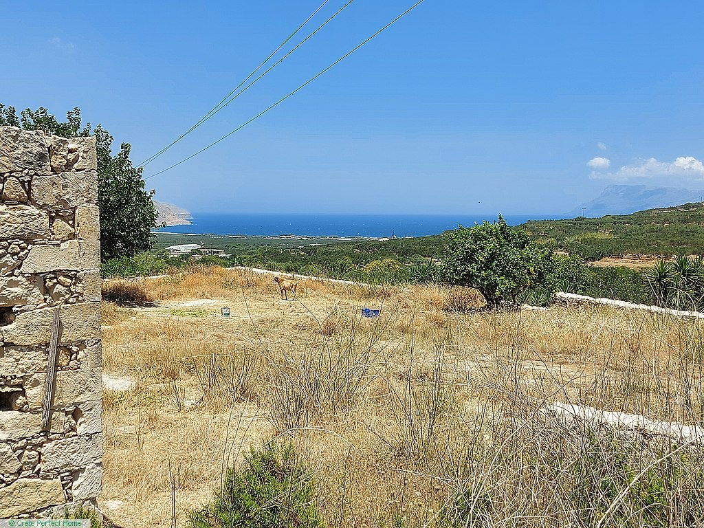 (Renovation) 6-room stone house in huge plot, large build allowance, sea & mountain views